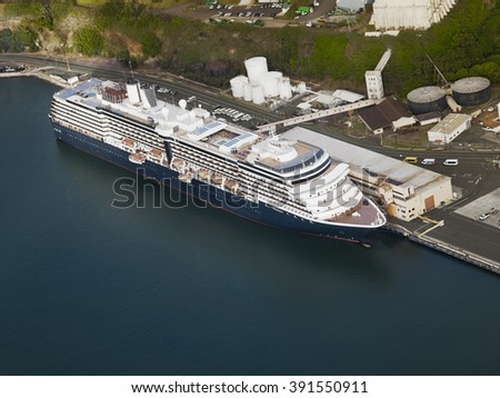 Aerial view of a cruise ship docked in the port of Hilo, Hawaii - stock photo