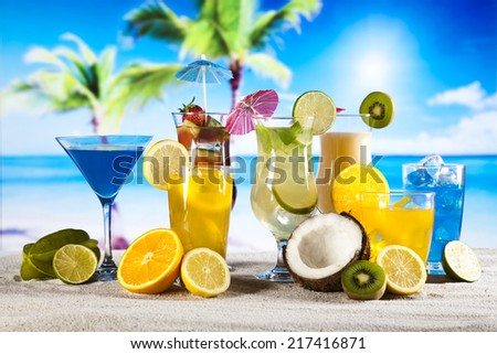 Alcoholic cocktails with fruits