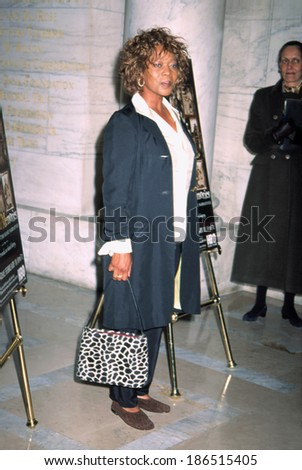 Alfre Woodard at premiere of UNCHAINED MEMORIES, NY 2/3/2003
