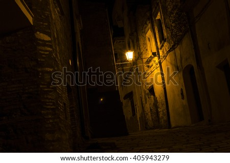 alleys and streets of Italy from north to south a country to discover