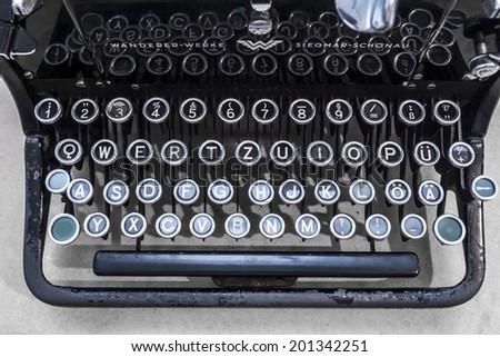 Alte Schreibmaschine - stock photo