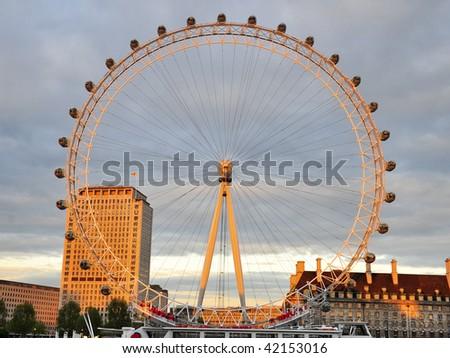 Amazing Sunset in the London Eye of London - stock photo