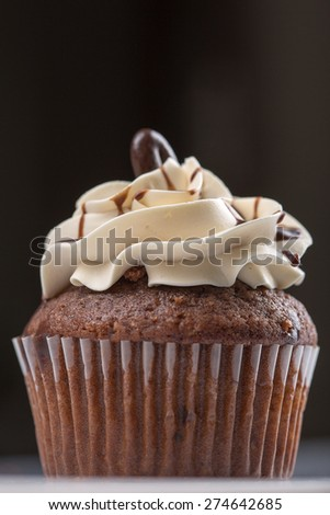 American cupcake, coffe taste, black and white background