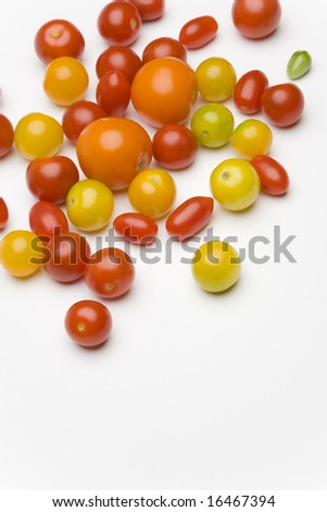 An array of tomatoes of various colors.