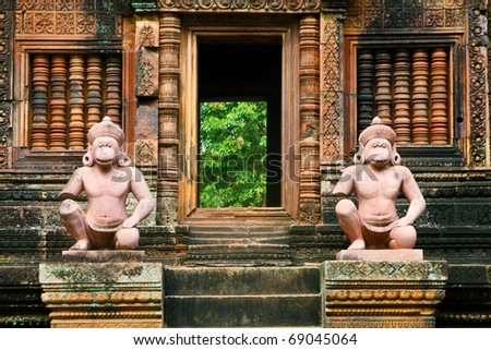Ancient statues in Banteay Srei temple, Siem Reap complex, Cambodia
