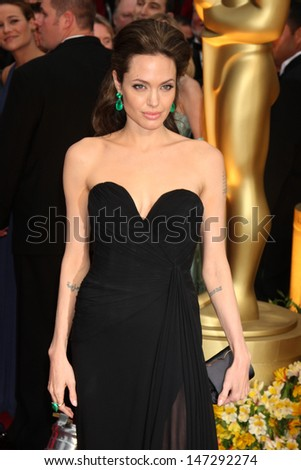 Angelina Jolie   arriving at the 81st Academy Awards at the Kodak Theater in Los Angeles, CA  on February 22, 2009