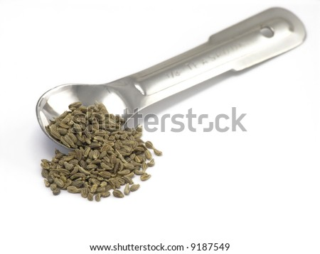 anise and measuring spoon