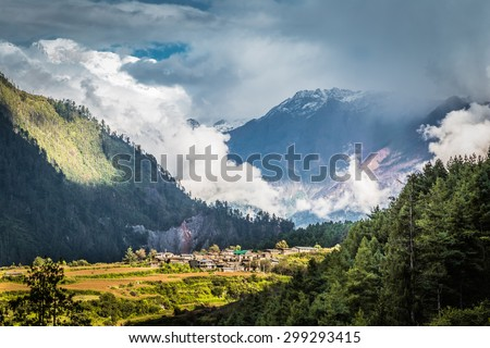 Annapurna circuit, Himalaya, Nepal - stock photo