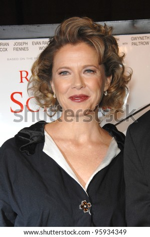 "ANNETTE BENING at the world premiere of her new movie ""Running with Scissors"". October 10, 2006  Los Angeles, CA Picture: Paul Smith / Featureflash"
