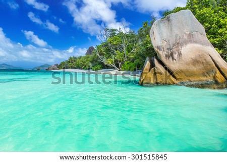 Anse Source d'Argent - Beautiful beach on tropical island La Digue in Seychelles