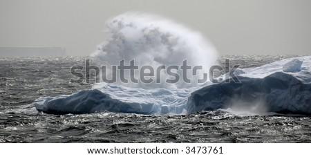 Antarctic wave - stock photo