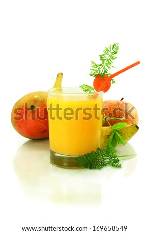 apple mango banana  and carrot smoothie