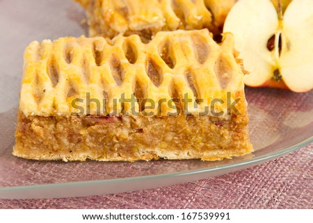 Apple pie on a glass platter