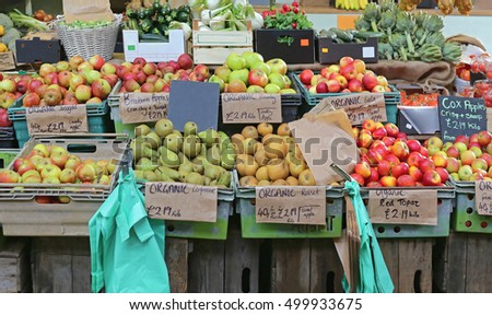 Apples and Pears at Farmers Market Stall