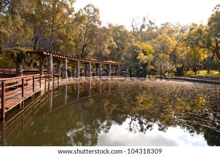 how to go araluen botanic park
