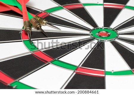 arrows and darts target the exact game