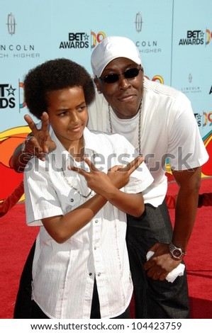 Arsenio Hall and son  at the 2009 BET Awards. Shrine Auditorium, Los Angeles, CA. 06-28-09