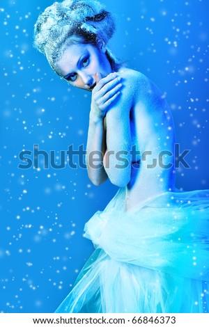 Art portrait of a beautiful woman in veil. Fashion, beauty. - stock photo