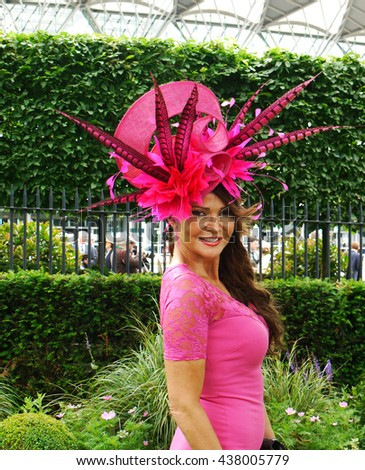 ASCOT - JUN 16, 2016: Lizzie Cundy attends Ascot racecourse on Ladies Day Royal Ascot on Jun 16, 2016 in Ascot - stock photo