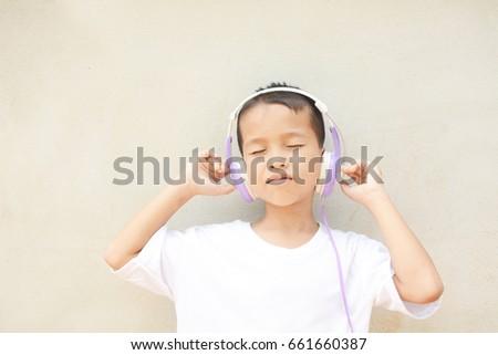 asian-boy-music-facial-blowjob