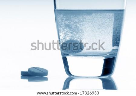 aspirin - stock photo
