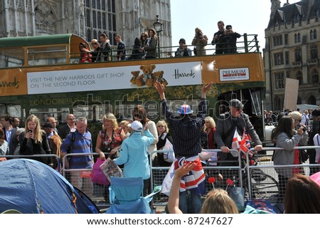 Atmosphere around Westminster Abbey and Buckingham Palace on the day before the royal wedding of Prince William & Kate Middleton. April 28, 2011  London, UK Picture: Paul Smith / Featureflash - stock photo