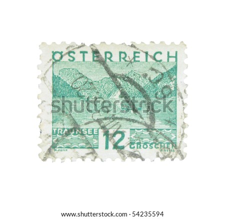 AUSTRIA - CIRCA 1932: A stamp printed in Austria showing Traunsee, circa 1932