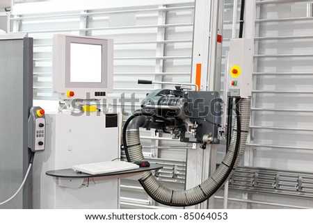 Automatic vertical wood panel saw machine with monitor