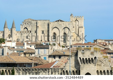 Avignon (Vaucluse, Provence-Alpes-Cote d'Azur, France): the medieval city and its walls