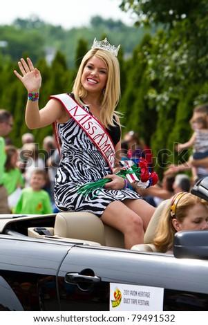 AVON, OHIO - JUNE 16: Miss America Teresa Scanlan arrives at the annual Duck Tape Festival Parade on June 16, 2011 in Avon, Ohio. - stock photo