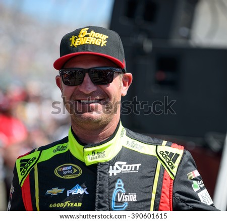 AVONDALE, AZ - MAR 13: Clint Bowyer at the NASCAR Sprint Cup Good Sam 500 race at Phoenix International Raceway in Avondale, AZ on March 13, 2016