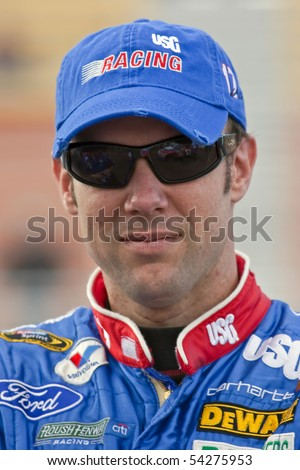 AVONDALE, AZ - NOV 13:  Matt Kenseth waits qualify for the Checker O'Reilly Auto Parts presented by Pennzoil race at the Phoenix International Raceway on Nov 13, 2009 in Avondale, AZ.
