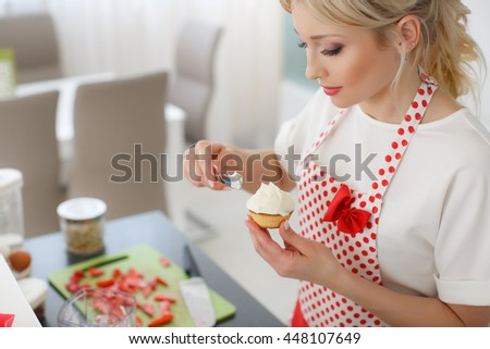 Woman Home Decorating delighful woman decorating cupcakes mother and daughter sprinkles