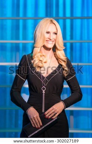 BANGKOK -JULY 22: A waxwork of Julia Roberts on display at Madame Tussauds on July 22, 2015 in Bangkok, Thailand. Madame Tussauds' newest branch hosts waxworks of numerous stars and celebrities - stock photo