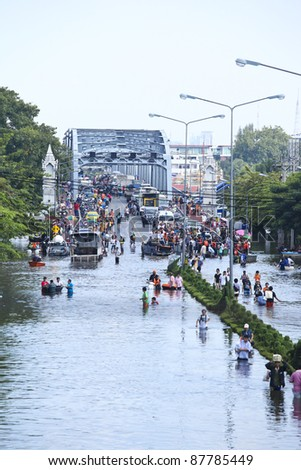 BANGKOK - OCT 31: Krung Thon Bridge on Oct 31, 2011 in Bang Plat, Bangkok, Thailand. Thai Flood 2011 - stock photo