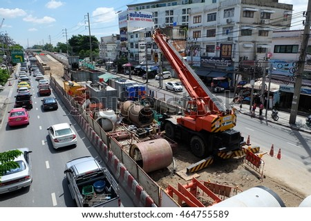 Bangkok, Thailand. August 7,2016. Building sky train station north Green Line since Mo Chit - Saphan Mai - Khukhot.In. They used a crane to build sky train.