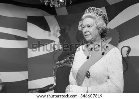 BANGKOK, THAILAND - CIRCA August, 2015: Wax figure of the famous Queen Elizabeth from Madame Tussauds, Siam Discovery, Bangkok - stock photo