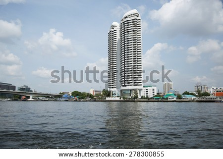 BANGKOK -THAILAND - MAY 4 : Landscape and Boat transportation in Chaophraya river of Thailand on May 4, 2015 in Bangkokcity, Thailand