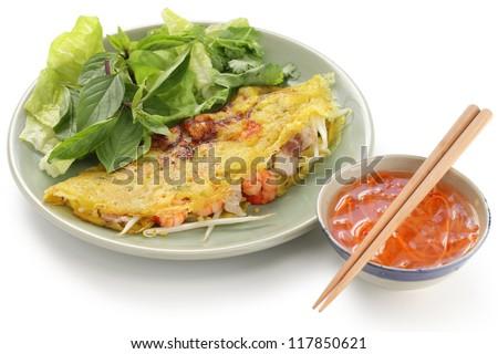 banh xeo, vietnamese crepe, vietnamese crispy pancake, vietnamese cuisine