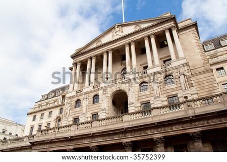 bank of england (BOE) standing still through the world financial crisis - stock photo