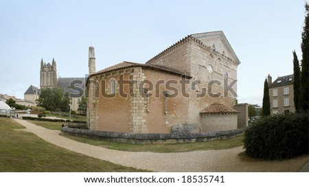 Baptistere Saint-Jean ( Baptistery of St. John ) and the cathedral of St. Peter, Poitiers, France