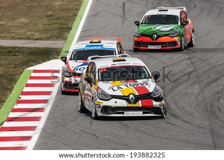 BARCELONA - MAY 18: Drivers fighting at CEV & CER Endurance Cup at Catalunya Circuit on May 18, 2014 in Barcelona, Spain.
