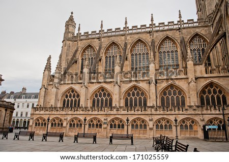 Bath Abbey is England's last great medieval church, dissolved in 1539 and is now a busy parish church. A lively program of concerts and services keep the Abbey a central part of Bath's cultural life