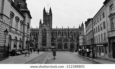 BATH - AUG 9: General street view with Bath Abbey in the city centre on Aug 9, 2014 in Bath, UK. Bath is a UNESCO world heritage city and a popular travel destination with 4.5mn visitors per year. - stock photo