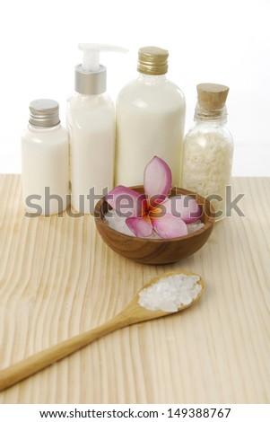 Bath Spa Accessories On Board Stock Photo 149388767 - Shutterstock