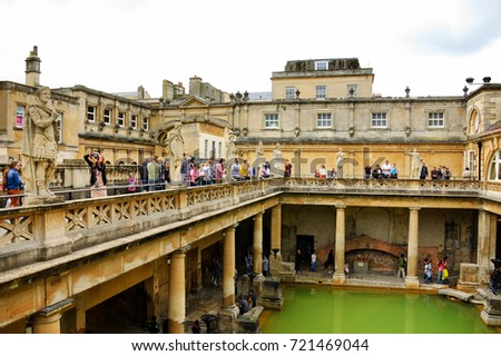 BATH UK AUGUST 24 2017 Tourists Stock Photo (Royalty Free) 721469044 ...