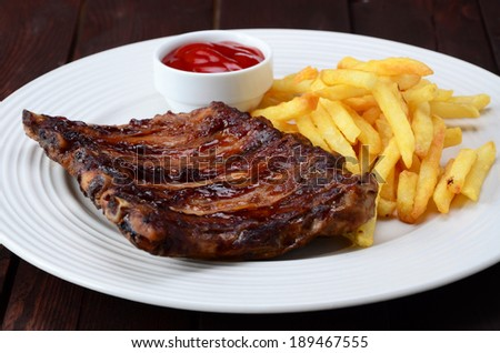 BBQ Ribs with fries