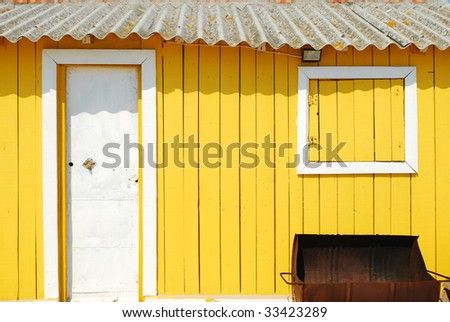 beautiful and traditional fisherman house in the portuguese coast (detail)