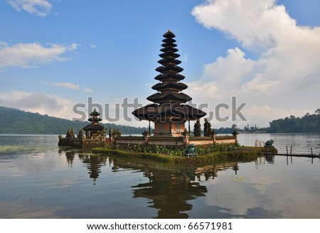 Beautiful Balinese Pura Ulun Danu temple on lake Bratan. Bali, Indonesia