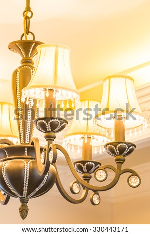 Beautiful classic chandeliers light lamp decoration in living room